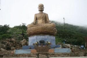 statue du roi Tran Nhan Tong