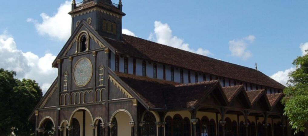 Kontum, petite ville paisible donnant accès à un certain nombre de villages de minorités ethniques